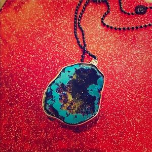 Blue raw stone pendant necklace